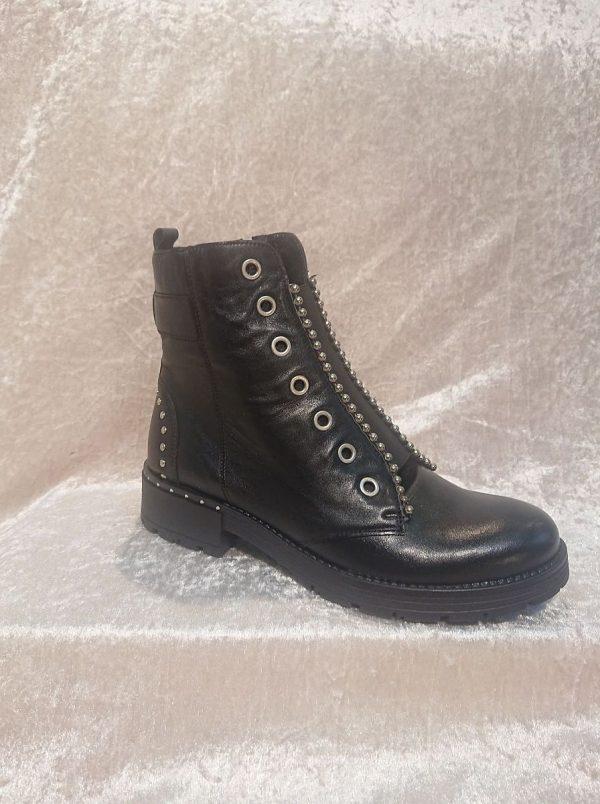 MACJEIKA Black Leather boots front